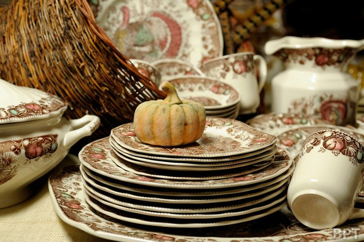 Pumpkins and turkey-themed plates are popular design elements this fall & Dinnerware bursts with color for fall entertaining | Northwest Prime ...